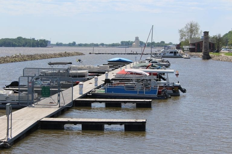 Fall special on slip rates at Muscatine Municipal Harbor