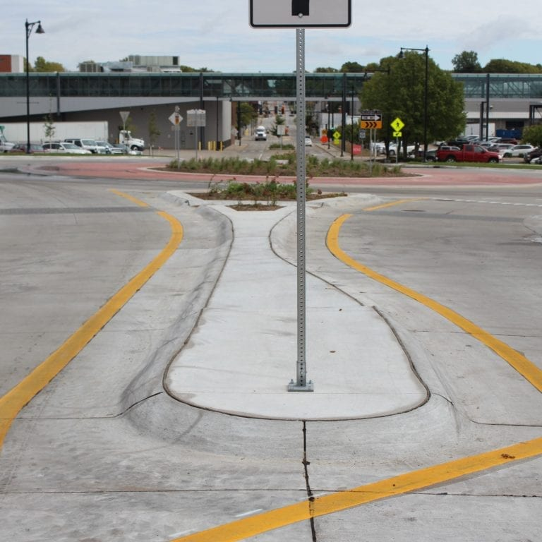 2nd and Mulberry Roundabout traffic restrictions begin September 30
