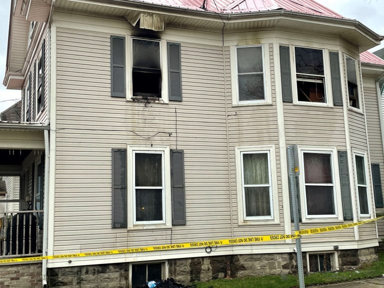 Two treated following early morning fire in Muscatine