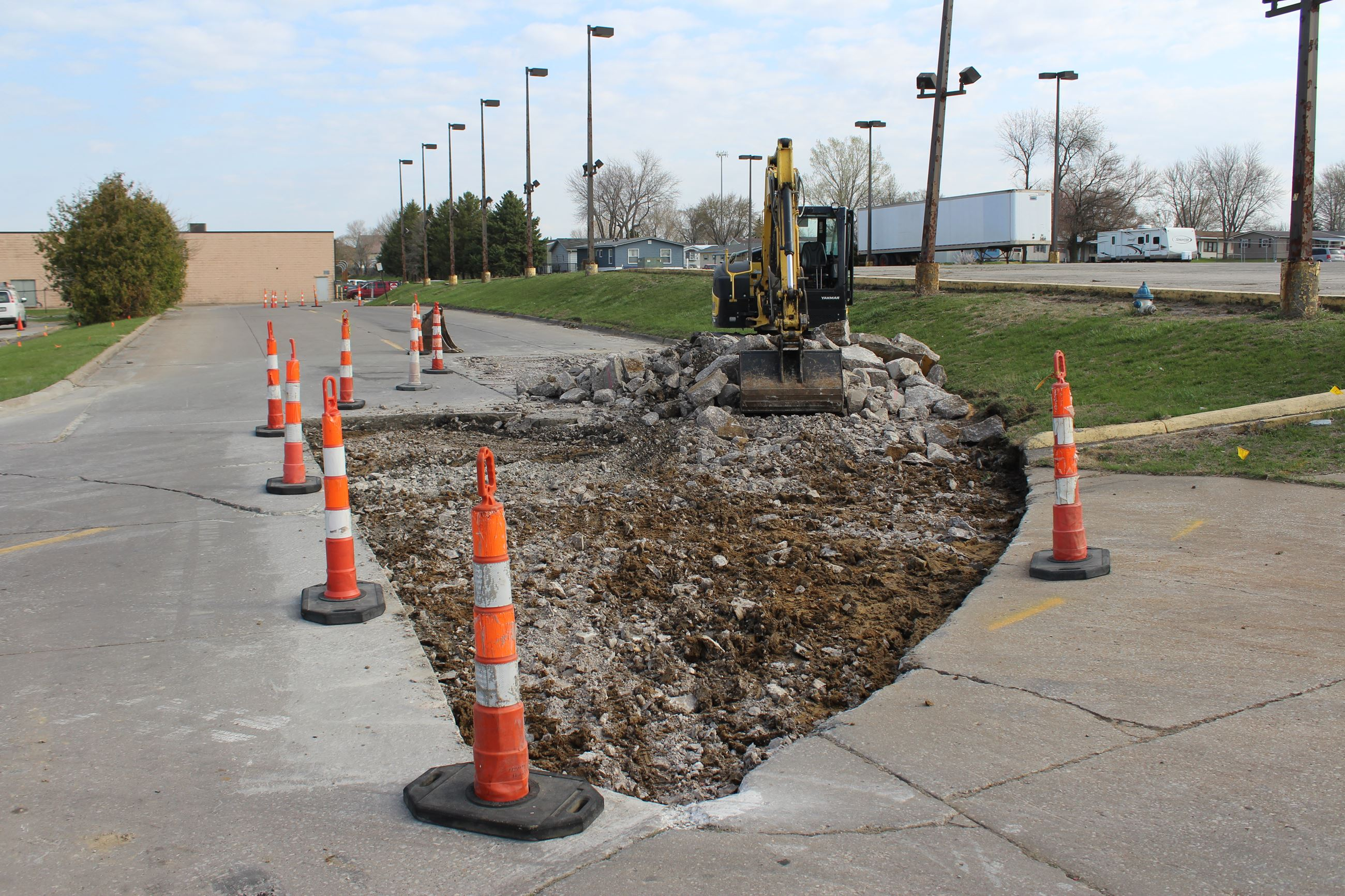 040621 Full Depth Patching - Ford Avenue 001 (JPG)