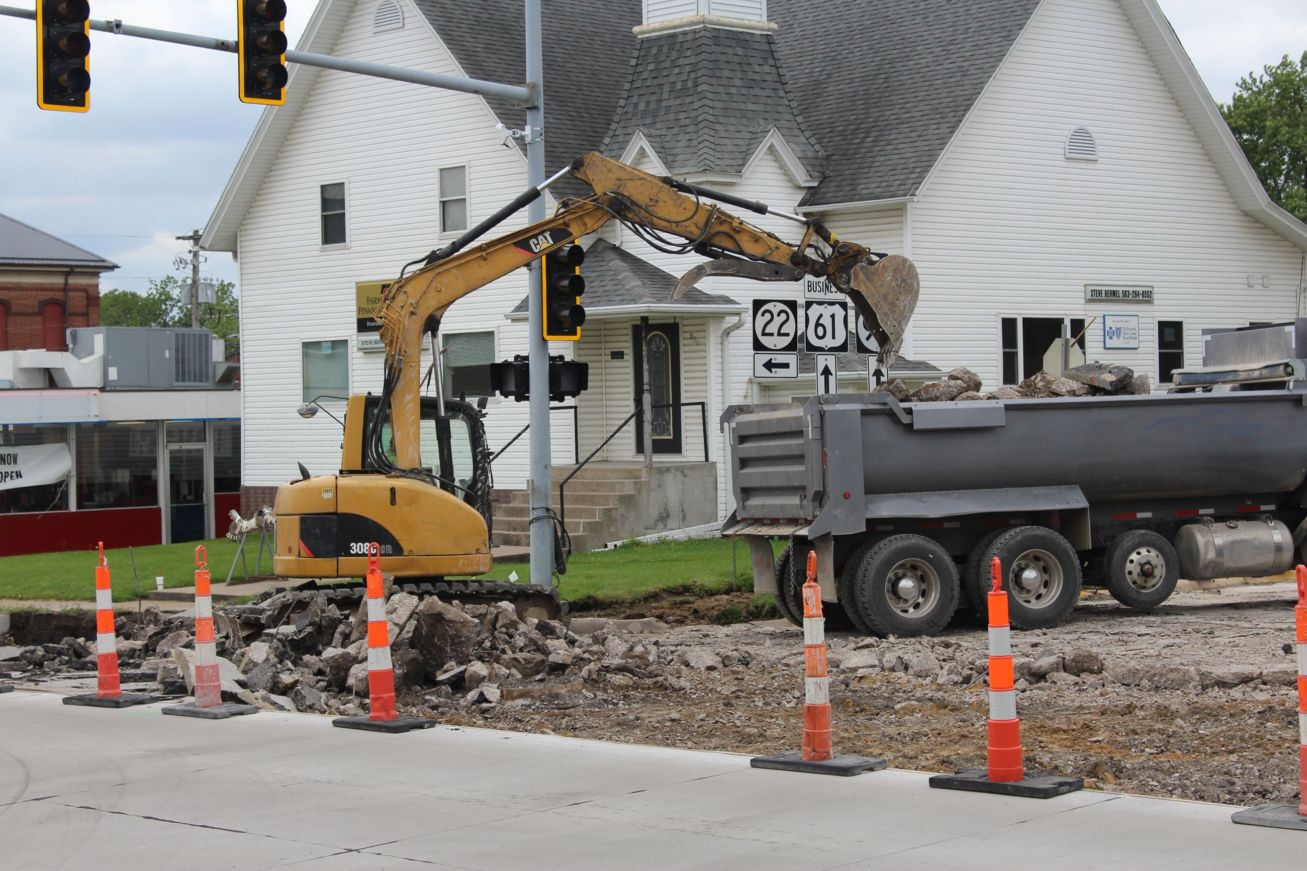 052021 Park Avenue - Washington intersection west side removal 001 (JPG)