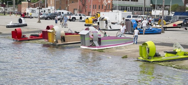 Full schedule of weekend activities on the Muscatine riverfront